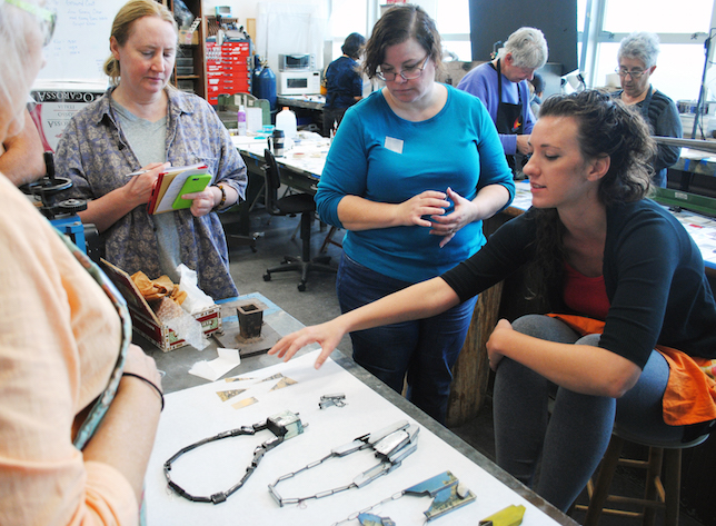 Kat Cole discussing her jewelry with students_2
